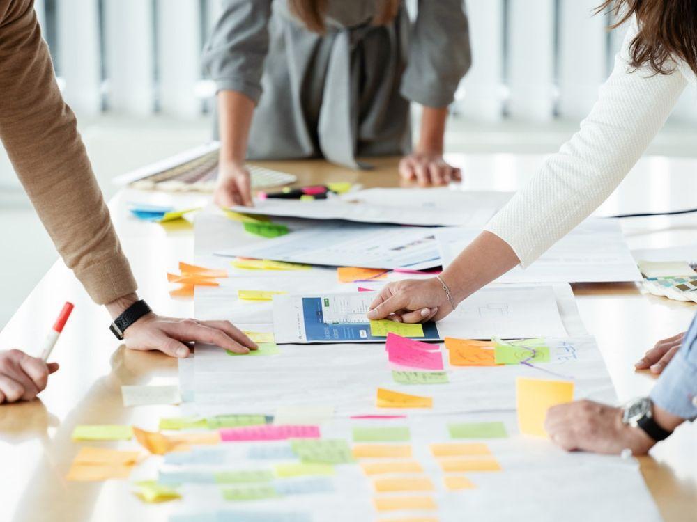 Introduksjon til prosessrammeverket Scrum for IT-prosjekter