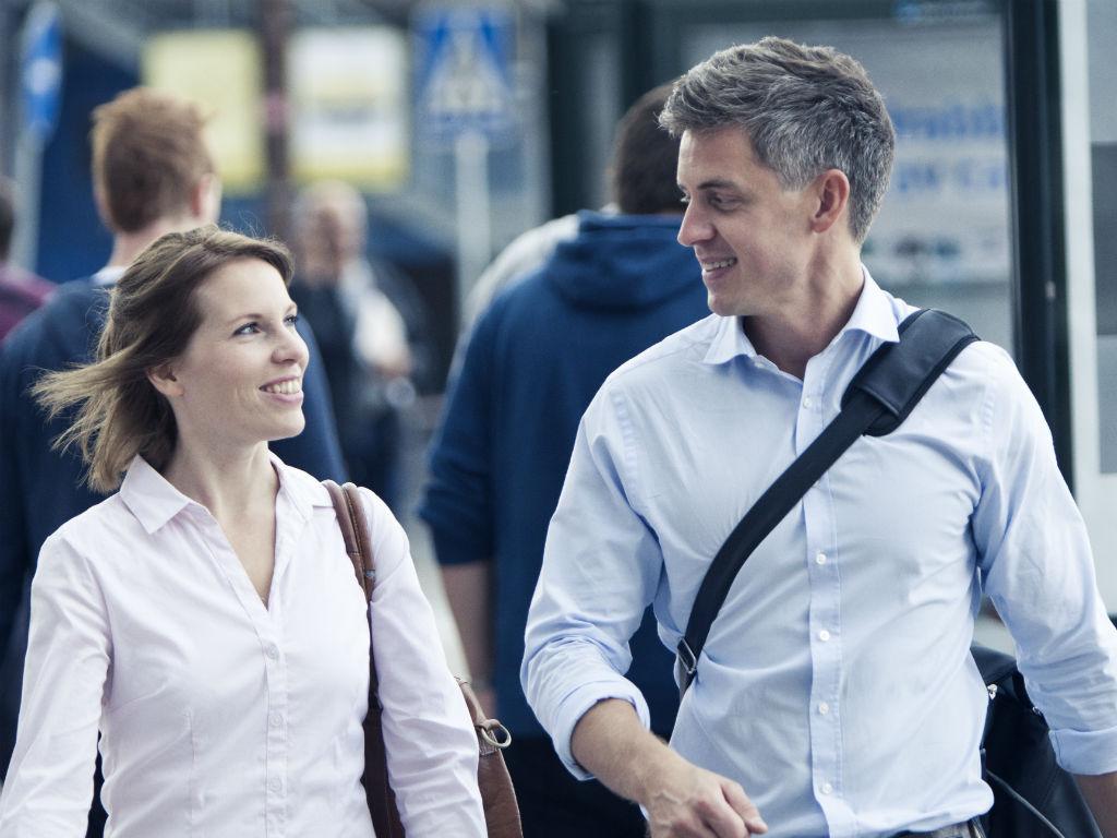 Kolleager på jobb reise