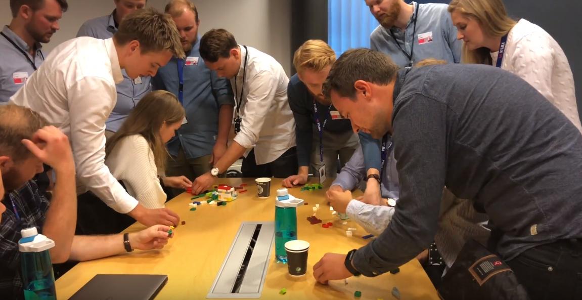 I Nytt Krutt programmene deltar traineene på team building aktiviteter