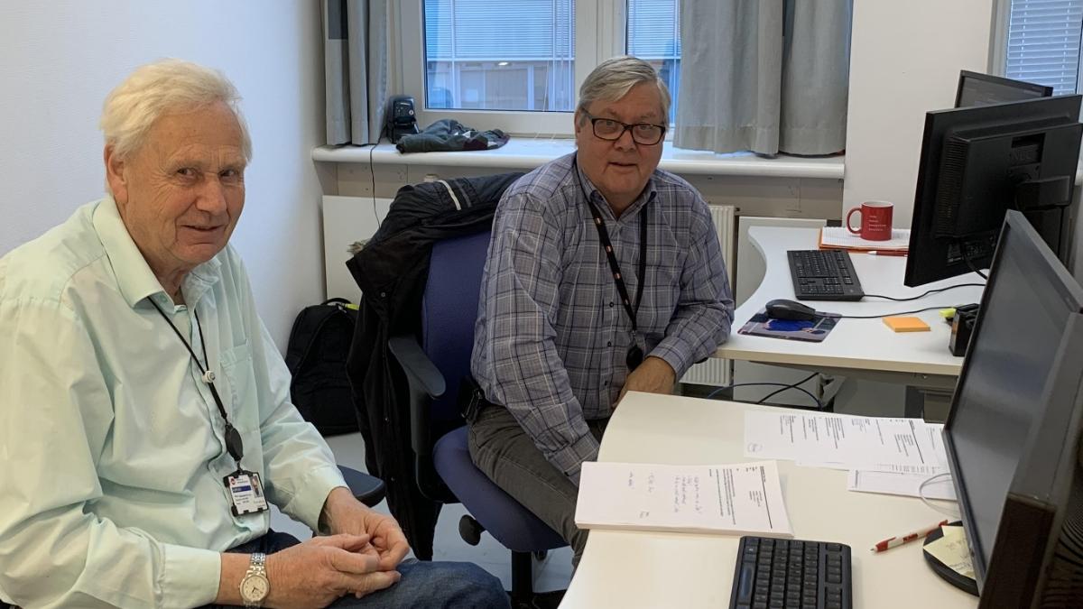 Per-Arne (til venstre) og Arne (til høyre) på prosjekt hos NAV